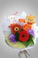 Букет из живых   цветов с игрушками 0402