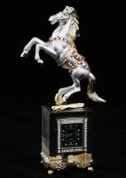 Лошадь серебристая с часами в подставке
