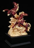 Лошади бегущие на горе из золота