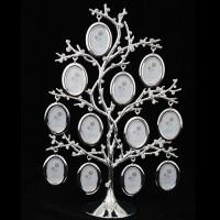Дерево с 12 фоторамками